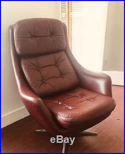 Mid Century Retro Vintage Danish Leather Swivel Lounge Chair Retro H W Klein